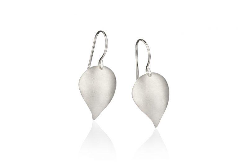 Hjerteskjell ørepynt i sølv