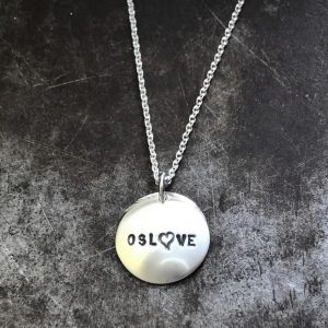 Oslove - håndstemplet sølvsmykke